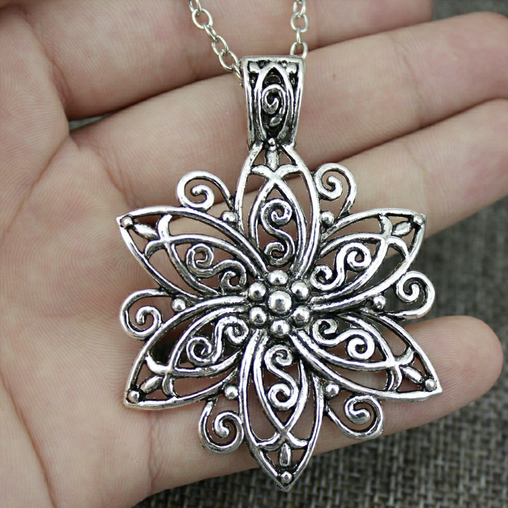 Antique Hollow Out Flower Pendant Necklace Aulic Ethnic Style Necklace Silver Boho Jewelry Gift For Women фото